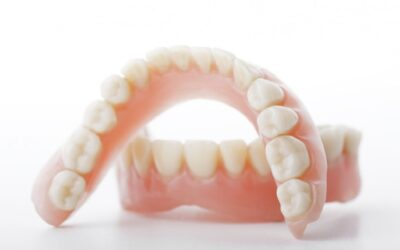 The Consequences of Wearing Poorly-Fitting Dentures