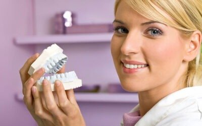 Dentures: An Ideal Solution For People Of All Ages